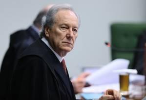 Ministro Ricardo Lewandowski durente sessão no Supremo - 03/10/2017 Foto: Jorge William / Agência O Globo