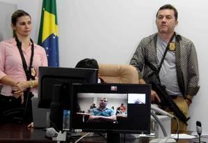 Por meio de videoconferência, Battist participa da audiência de custódia que decidiu sobre sua prisão Foto: Correio do Estado/Gerson Oliveira 05/10/2017