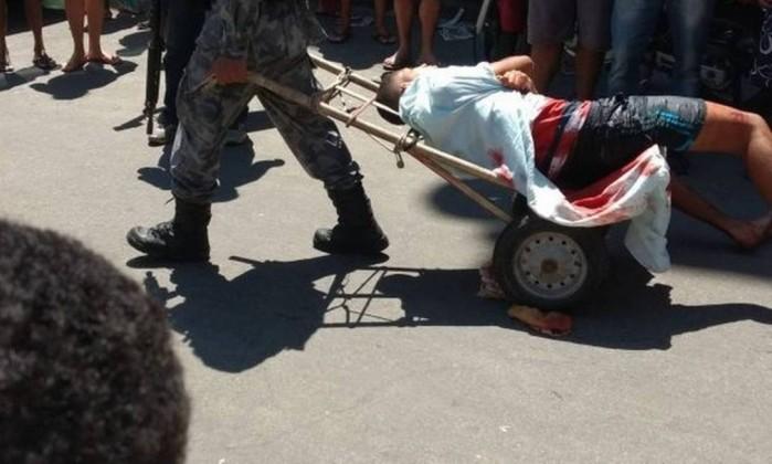 Polícia prende homem baleado na favela da Rocinha