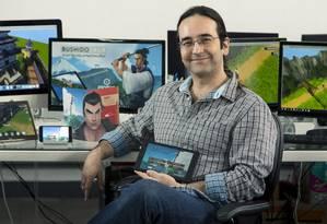 Eduardo Pereira lançou o Bushido Saga, jogo para celulares Foto: Leo Martins / Agência O Globo