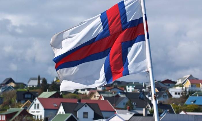 A bandeira das Ilhas Faroé, território dinamarquês Foto: Arne List / Divulgação