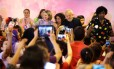O ex-presidente Lula acompanhado da presidente nacional do PT, Gleise Roffmann, participa de encontro de mulheres do partido