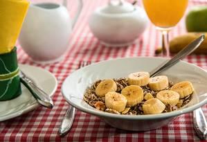 A primeira refeição teria a função de despertar o relógio biológico do corpo, que determina como será a fome ao longo do dia Foto: Pixabay