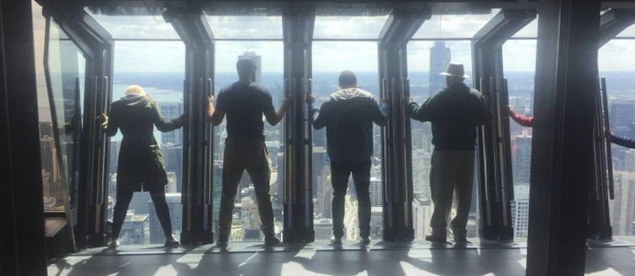 Janelões do John Hancock Building oferecem vista para a cidade do 360 Chicago Foto: O Globo / Henrique Gomes Batista