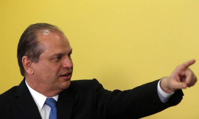 MPF pede afastamento cautelar de ministro da saúde de Temer