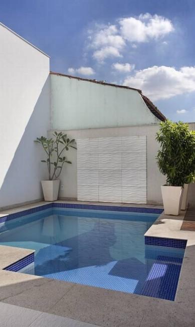 Uma piscina também foi construída Divulgação