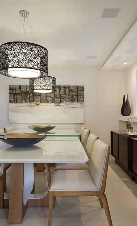A sala de jantar tem comunicação com a cozinha e com a sala de estar Foto: Divulgação