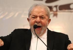 O ex-presidente Lula participa de ato em defesa de universidades públicas em Brasília Foto: Givaldo Barbosa / Agência O Globo