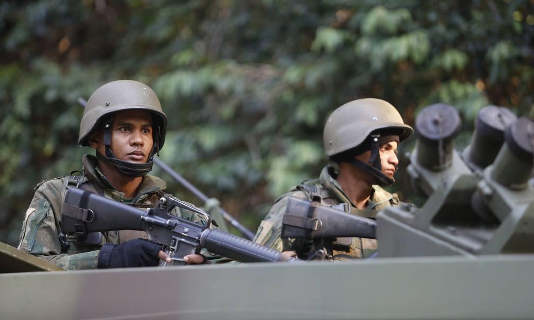 De acordo com o Comando Militar do Leste (CML), trata-se de uma operação pontual Foto: Fabio Guimarães / Agência O Globo