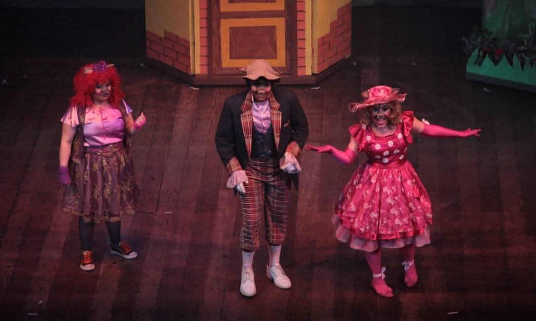 'Porquinhos — O musical'. Diferentemente do original, a adaptação apresenta apenas um porquinho e duas porquinhas. No Teatro Bradesco: VillageMall. Av. das Américas 3.900, Barra — 3431-0100. Qui, às 15h. R$ 50 (frisa), R$ 60 (balcão nobre), R$ 80 (plateia alta e camarotes), R$ 100 (plateia baixa). Foto: Divulgação