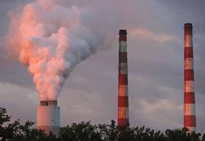 Termelétrica em Newburg, no estado de Maryland: medida tomada pela Agência de Proteção Ambiental favorece indústria do carvão Foto: MARK WILSON / AFP