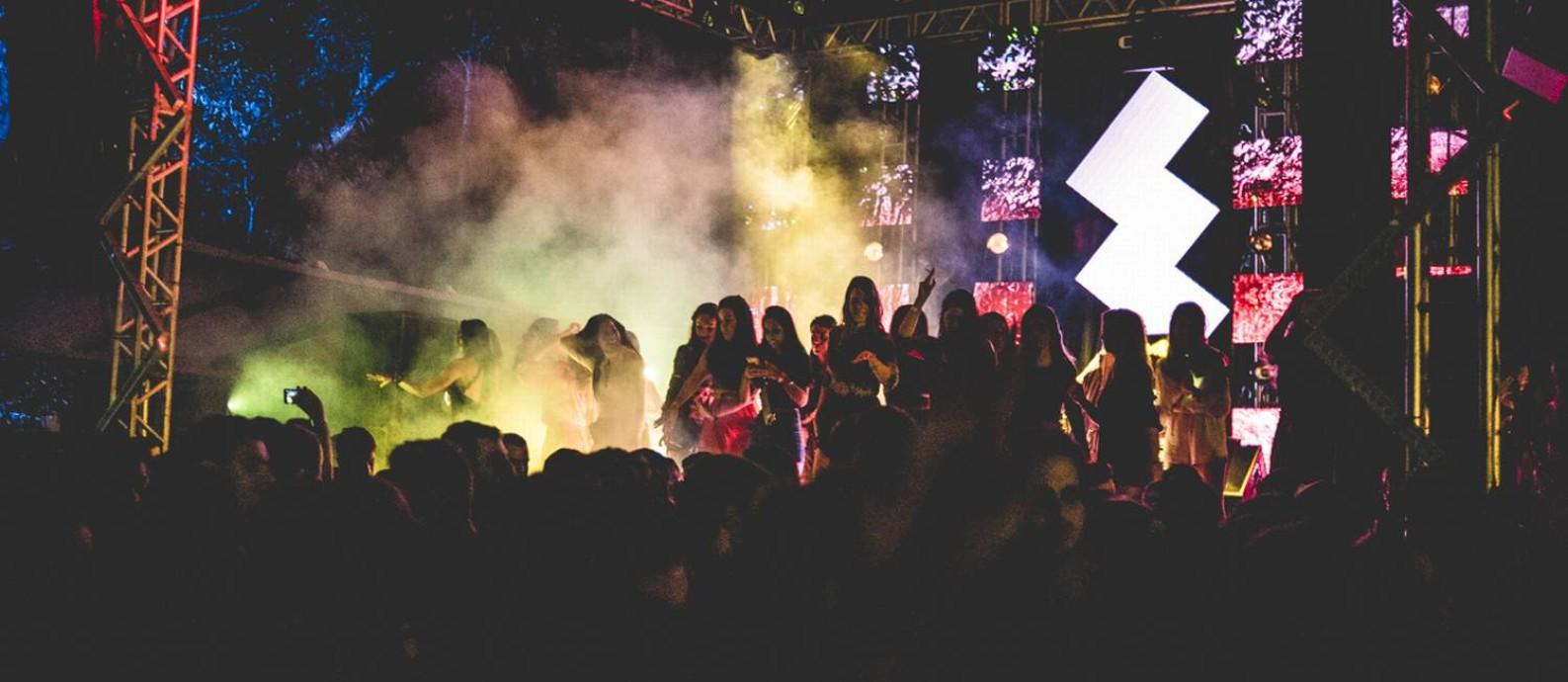 Festa O Grande Baixo Gávea acontece no Jockey Foto: Divulgação/I Hate Flash/Derek Mangabeira