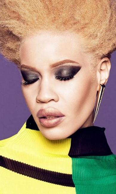 """Esta é Diandra Forrest, a primeira modelo albina a estrelar uma grande campanha de beleza. Ela é o rosto da marca de maquiagem Wet n Wild, como você confere na foto ao lado. Nascida e criada em Nova York, Diana se tornou não só uma profissional de sucesso na moda, mas também uma ativista. Isso porque, segundo revelou ao site """"Refinery29"""", sofreu bullying na escola e teve que aprender a se defender Divulgação"""