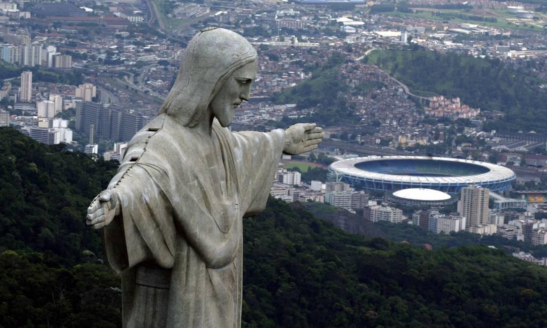O Cristo Redentor é um dos pontos turísticos mais procurados do Rio Foto: Custódio Coimbra em 10.07.2007 / Agência O Globo
