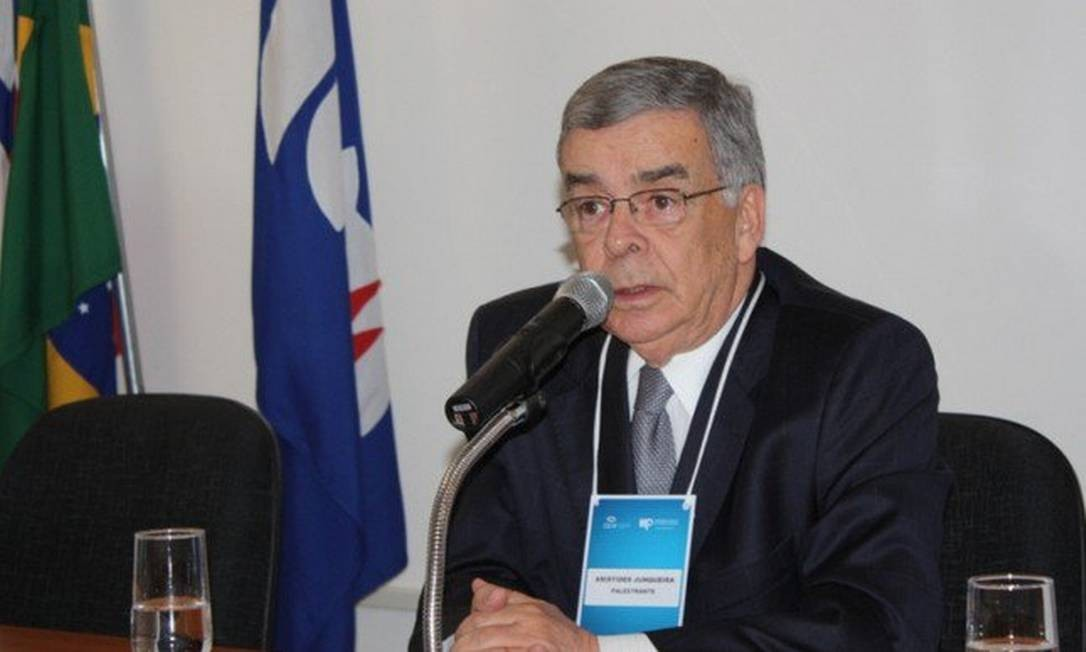 O advogado Aristides Junqueira, ex- procurador-geral da República Foto: Reprodução