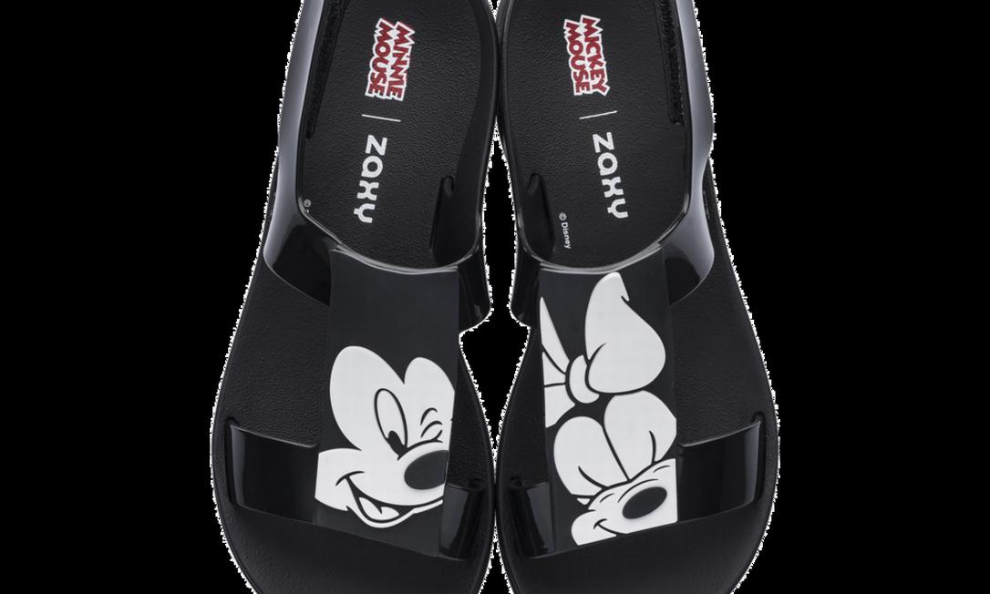 Sandálias Zaxy Minnie e Mickey (www.zaxy.com.br), R$ 59,99 Divulgação