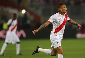 Guerrero comemora o gol de empate do Peru contra a Colômbia Foto: GUADALUPE PARDO / GUADALUPE PARDO/REUTERS