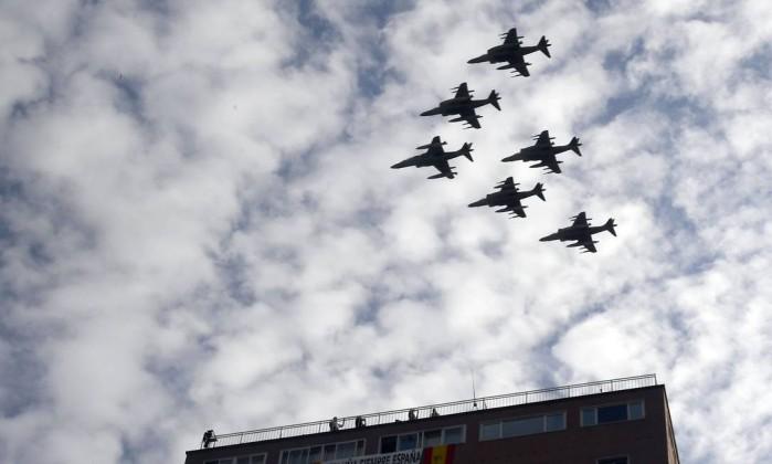 Caça espanhol despenha-se ao regressar do desfile militar