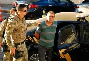 O italiano Cesare Battisti na sede da Polícia Federal em Corumbá, no Mato Grosso do Sul Foto: FABIO MARCHI / 05-10-2017 / AFP