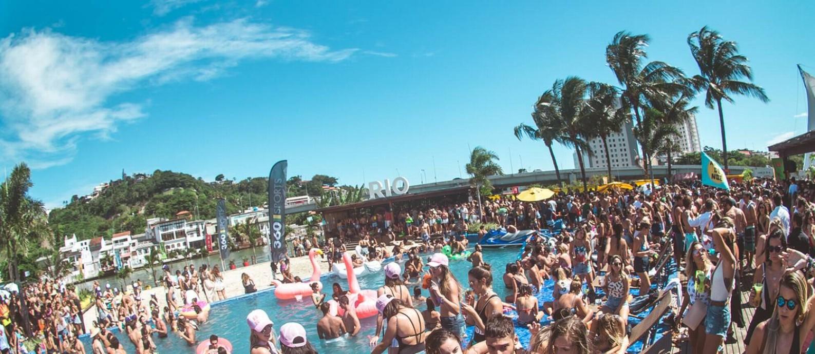 O Rio Beach Club, na Ilha da Coroa, na Barra Foto: I Hate Flash