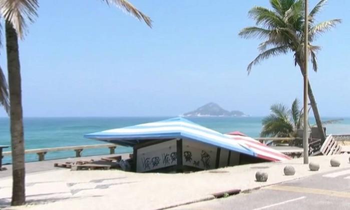 Obras no calçadão da Praia da Macumba devem ir até fevereiro