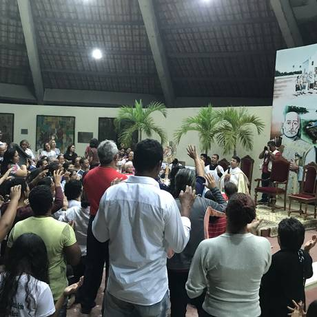 Painel com uma imagem dos novos santos fica no Monumento dos Mártires, construído em homenagem a eles no Rio Grande do Norte, onde os 30 foram assassinados na época do Brasil Colônia Foto: Aura Mazda