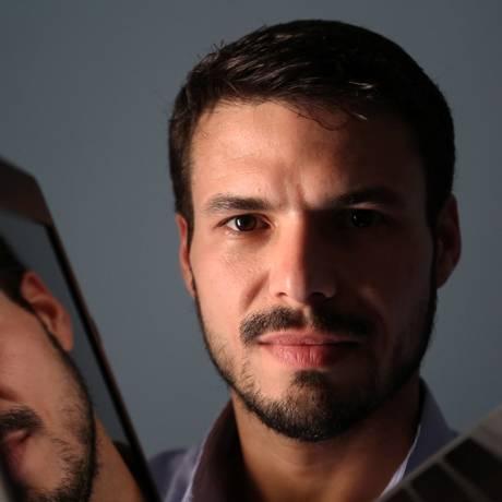 João Carlos Júnior dividiu em 30 vezes o curso de marketing digital na FGV, que dura 18 meses Foto: Custódio Coimbra