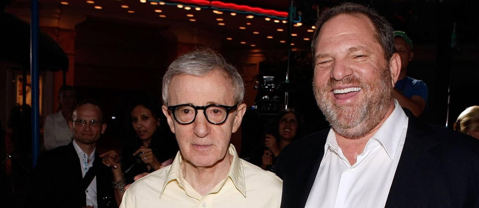 Woody Allen e Harvey Weinstein em agosto de 2008, durante a premiere do filme 'Vicky Cristina Barcelona', em Los Angeles Foto: KEVIN WINTER / AFP
