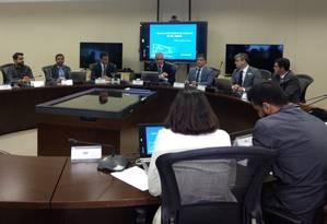 Reunião da cúpula da segurança do estado discute roubos de cargas, junto com representantes da Polícia Federal, da Polícia Rodoviária Federal e do Sindicargas Foto: @SegurancaRJ / Reprodução