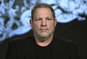 O produtor Harvey Weinstein, 65 anos, é acusado de assédio sexual por dezenas de mulheres Foto: Richard Shotwell / AP
