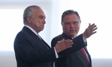 O presidente Michel Temer acompanhado pelo Ministro da Agricultura, Blairo Maggi Foto: André Coelho 07-06-2017 / Agência O Globo