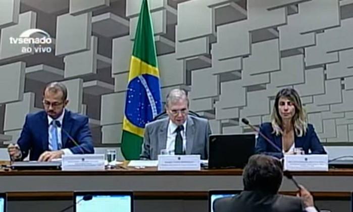 Marun e Randolfe Rodrigues batem boca na CPI da JBS — VÍDEO