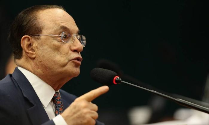 CCJ aprova parecer que rejeita denúncia contra Temer e ministros