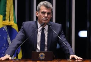 O senador Romero Juca (PMDB-RR) discursa sobre o caso senador Aécio Neves (PSDB-MG) Foto: Ailton de Freitas / Ailton de Freitas/Agência O Globo/03-10-2017
