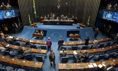 Plenário do Senado analisa decisão do STF de afastar Aécio Neves do mandato Foto: Jorge William / Agência O Globo
