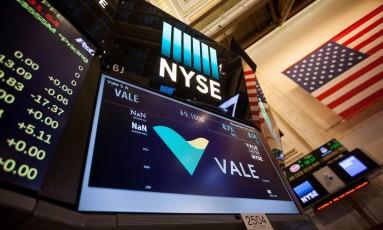 Símbolo da Vale em tela da Bolsa de Nova York. Foto: Michael Nagle / Bloomberg