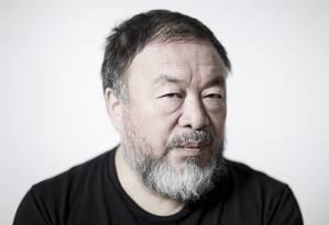 O artista chines Ai Weiwei: United Airlines não permitiu seu embarque Foto: Leo Martins / Agência O Globo