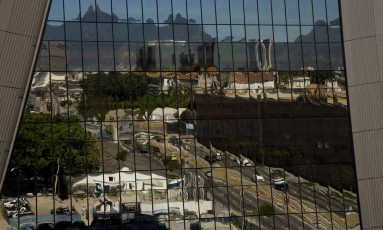 O Aqwa Corporate, primeiro edifício brasileiro assinado por Norman Foster, vencedor de um prêmio Pritzker, será inaugurado nesta quinta-feira Foto: ANTONIO SCORZA / Agência O Globo