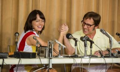 """Emma Stone, encarnando Billy Jean, e Steve Carell, como Bobby Riggs, durante uma cena de """"Guerra dos sexos Foto: Melinda Sue Gordon / AP"""