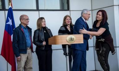 Chanceler chileno recebe quatro juízes venezuelanos, que pediram asilo em Santiago Foto: MARTIN BERNETTI / AFP