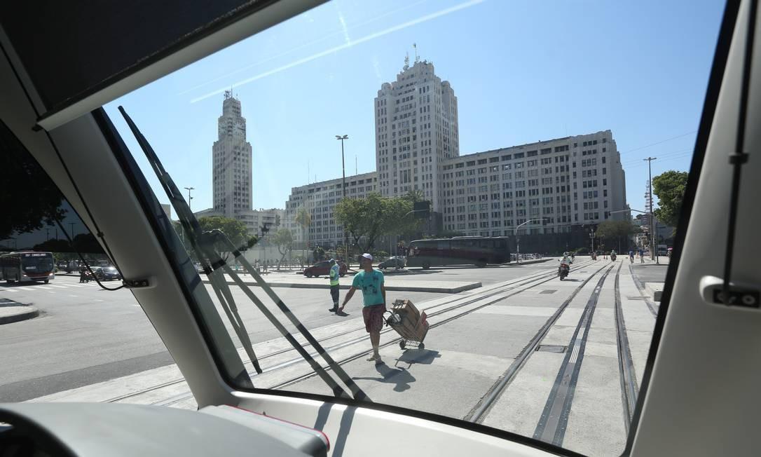 Localizada na Rua Senador Pompeu, é vizinha da Central do Brasil e do Terminal Américo Fontenelle, onde operam 54 linhas intermunicipais Foto: Custódio Coimbra / Agência O Globo