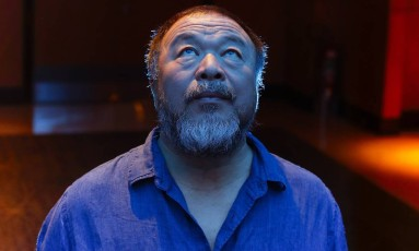 O artista chinês Ai Weiwei em São Paulo Foto: Edilson Dantas / Agência O Globo