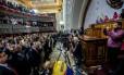 Governadores fazem juramento ante à Constituinte, em Caracas Foto: JUAN BARRETO / AFP