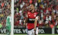 Réver comemora um de seus dois gols Foto: Marcio Alves