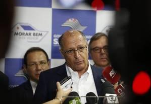 O governador Geraldo Alckmin acompanhou feirão de imóveis em São Paulo Foto: Edilson Dantas / Agência O Globo