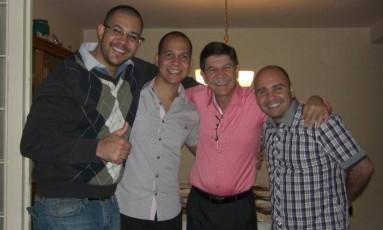 Juíz Ildefonso Ifill Pino (de rosa) ficou na Embaixada brasileira em Caracas por dois meses Foto: Reprodução