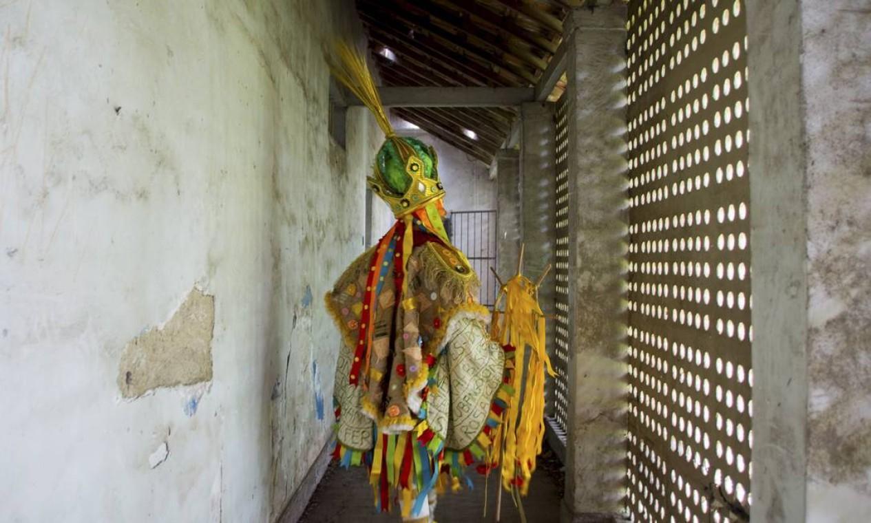 O ensaio, realizado na colônia Juliano Moreira, em jacarepaguá, buscou aproximar o universo do carnaval com o da psiquiatria busca a reflexão, dizem carnavalescos Foto: Talita Teixeira / Divulgação Acadêmicos do Cubango