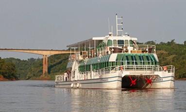 Kattamaram II, o novo barco turístico que fará roteiros pelos rios de Foz do Iguaçu Foto: Divulgação