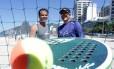 Adão Chagas, à esquerda, e Vini Font, em Ipanema Foto: Roberto Moreyra