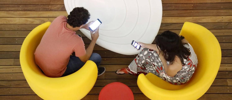 Consumidores usam hora de descanso para resolver problema com prestadores de serviço Foto: Fábio Rossi / Agência O Globo